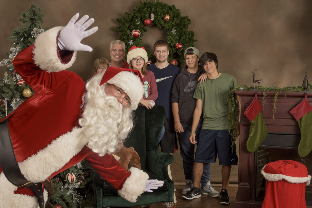 Northwest Santa Photos - Safe Santa photos